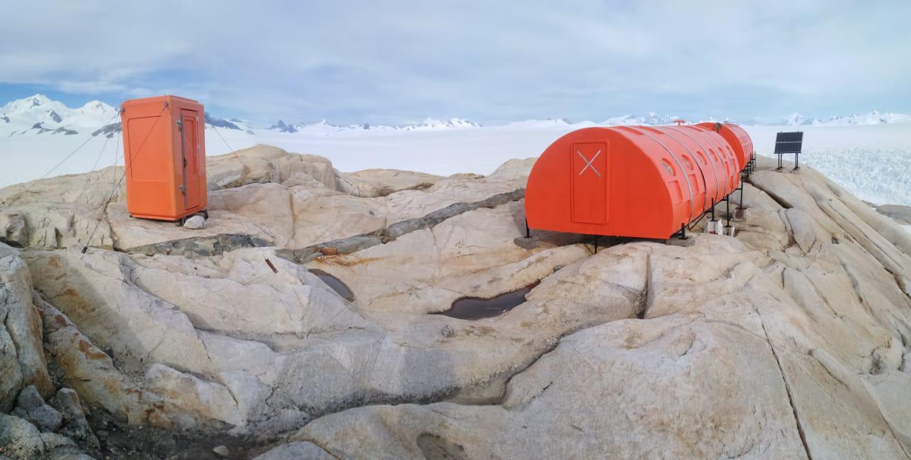 Fotografía Gentileza de Jorge O'kuinghttons, DGA, glaciología Aysén